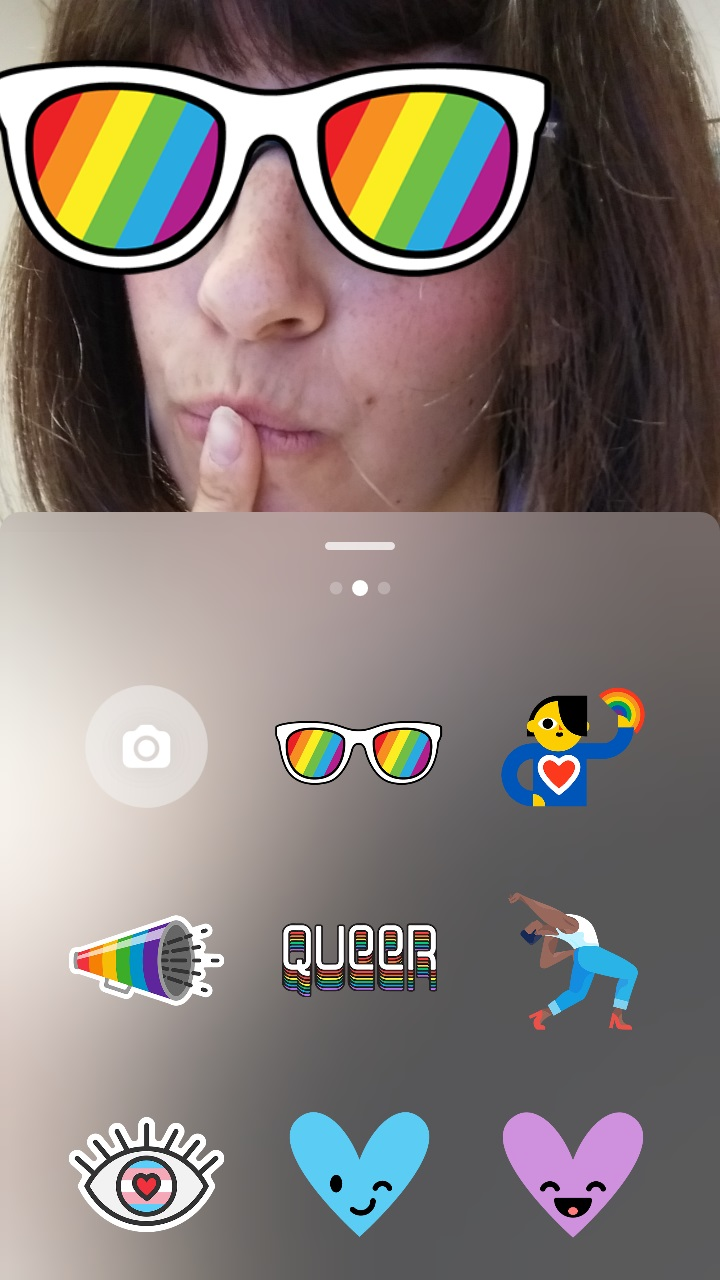 Instagram Stories Pride stickers boton lgbt Maria en la red